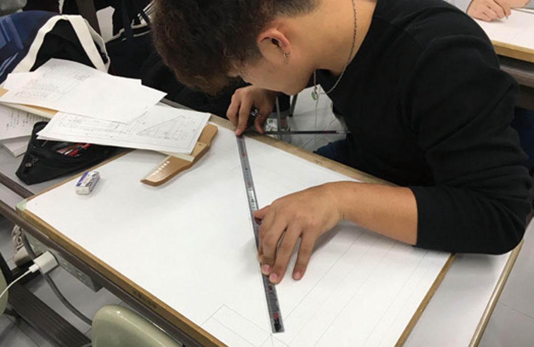 規矩術 実習を通して墨付け技術を習得