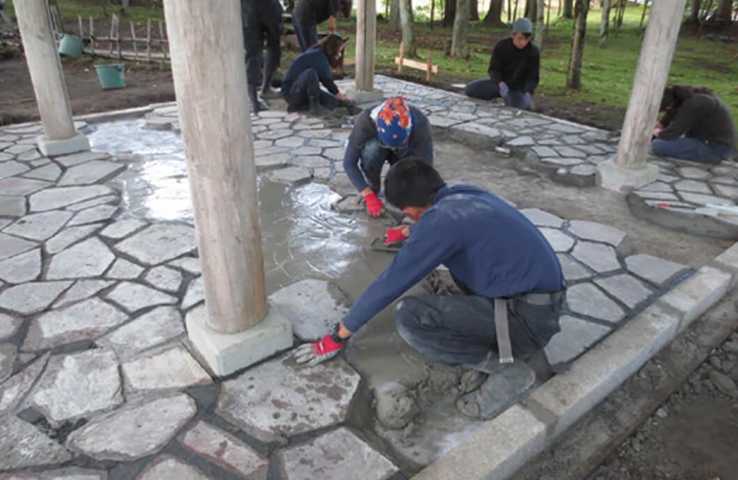 総合造園実習  石張り施工