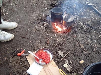 ブッシュクラフト朝食風景